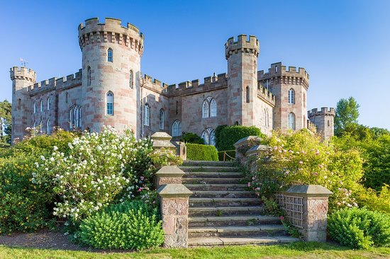 Cheshire, UK: Cholmondeley Castle