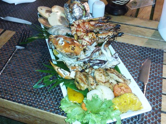By The Sea Restaurant and Bar照片