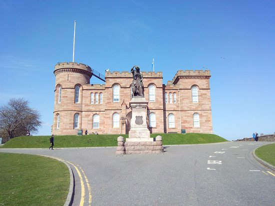 Inverness Castle: elevation of the castle