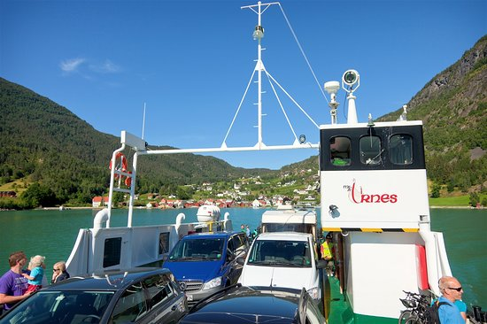 Vangsnes, Noruega: Urnes ferge.
