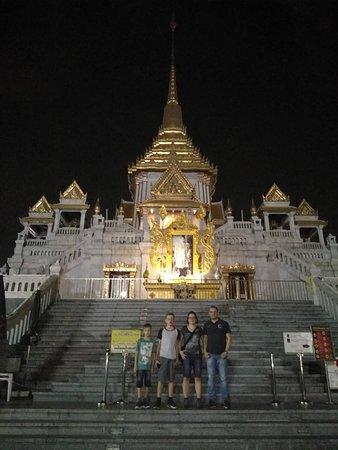 Temple du Bouddha d'or : Wat Traimit in der Nacht