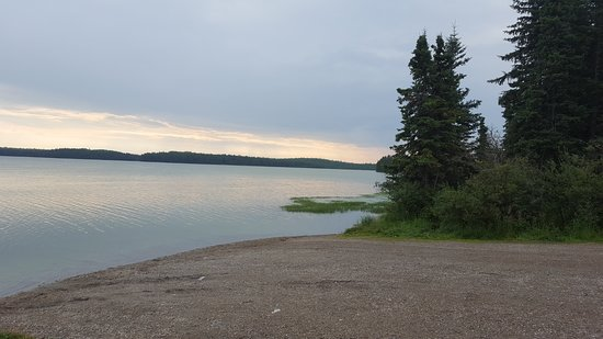 Hinton, Canada: easy access to the lake--fishing needs a boat to get out to the deeper part