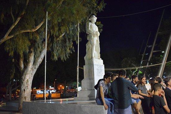 Ηράκλειο, Ελλάδα: Statue of Unknown Soldier
