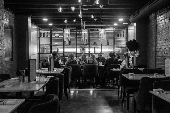 Farmville, VA: Campagna Italian Kitchen + Wine Bar, Hotel Weyanoke, VA