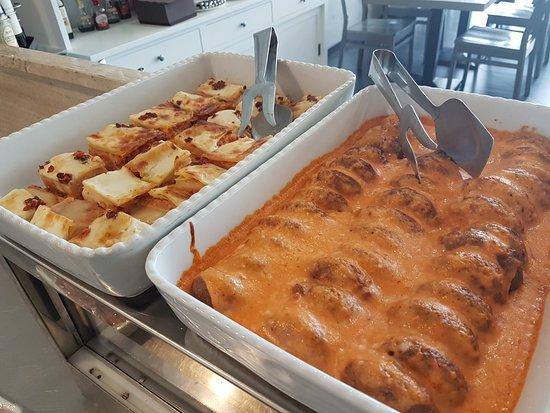Manerbio, Italië: Lasagne alla bolognese , polpette di carne e verdure al sugo Business lunch