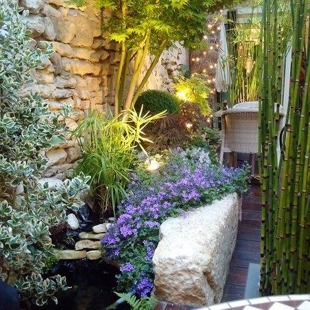 restaurant cote jardin dans saint martin de re avec cuisine fran aise. Black Bedroom Furniture Sets. Home Design Ideas