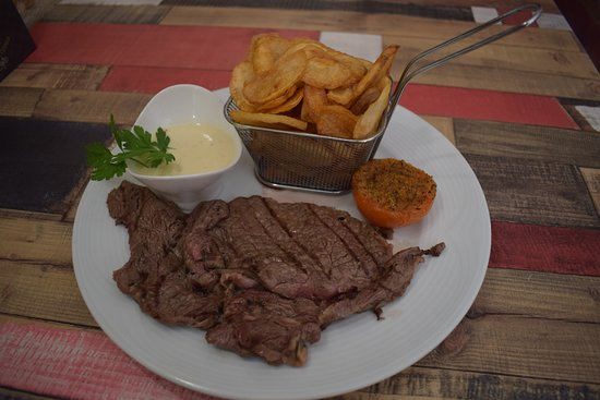 L'Escalier Grill: Entrecote cuite au Grill a la pierre de lave