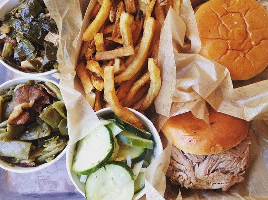 City Barbeque: Open for lunch AND dinner!