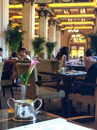 The Lobby at the Peninsula Hong Kong: 座位區即景
