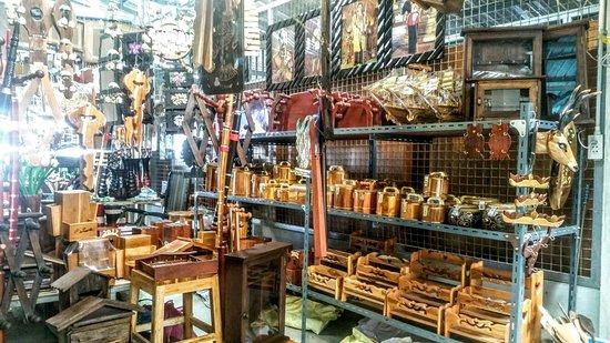 Talad Dan Sing Khon Border Market