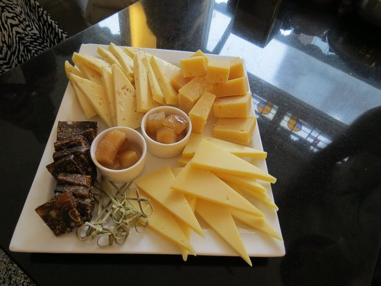 Jordaan Food Tour: Dutch cheeses