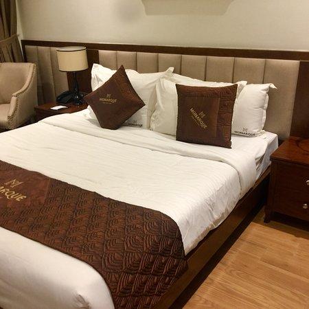 Monarque Hotel照片