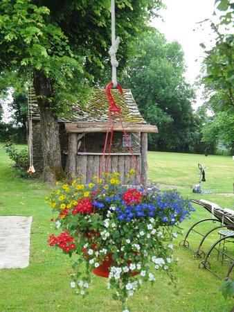 La Longère de Cabanès: Suspension fleurie