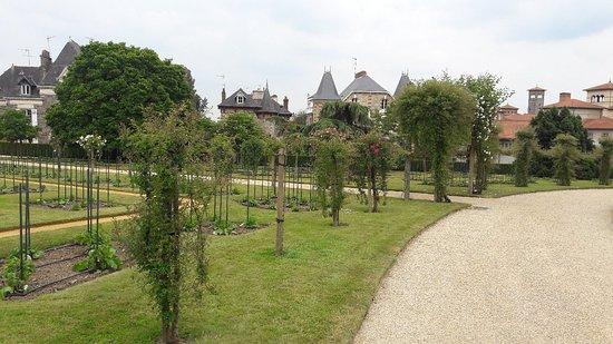 Parc du Thabor: 20180525_164055_large.jpg
