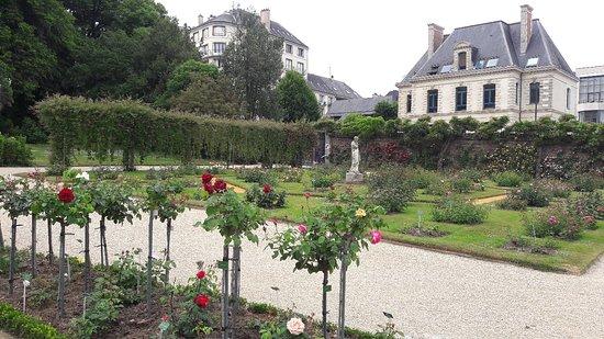 Parc du Thabor: 20180525_163929_large.jpg