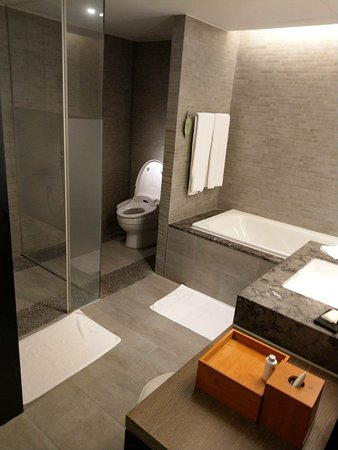 設備新穎、服務親切的五星級酒店