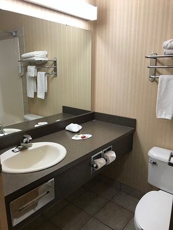 ‪‪High Level‬, كندا: Bathroom in a standard room‬