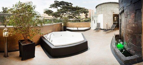 Hotel Porton Medellin: Terraza Solarium