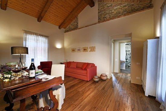 Cascina alberta hotel treiso italia prezzi 2018 e for Cascina merlata prezzi
