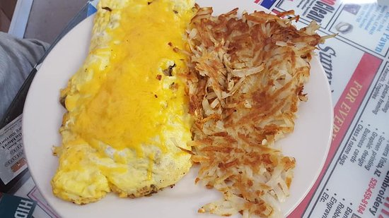 Huachuca City, AZ: Cheese omelette and hash browns