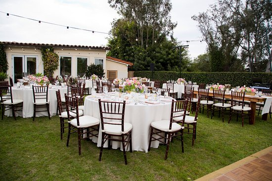 Rancho Santa Fe, Kalifornien: Wedding Reception Set-Up Azalea Lawn