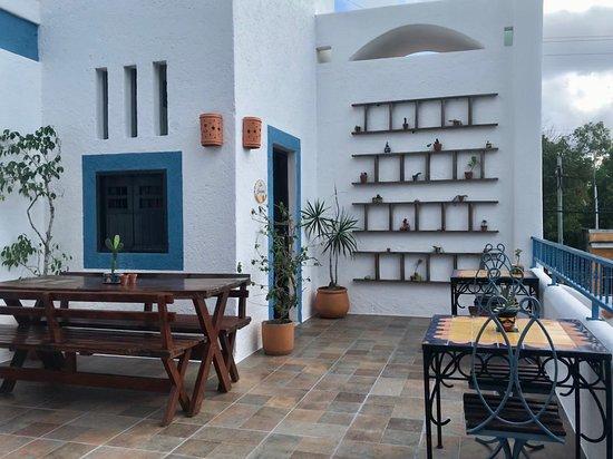 Tamarindo Bed and Breakfast: Breakfast Terrace!