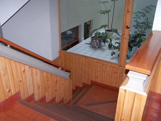 Hotel Continental: Escaleras al segundo piso
