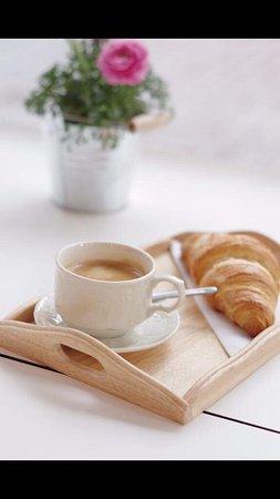 Flavors: Nespresso koffie met croissant