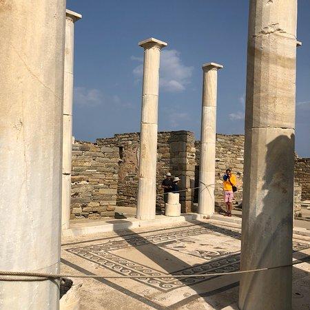 Archaeological Site of Delos Resmi