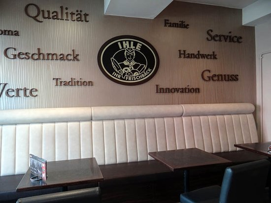 Ihle Cafe: the interior