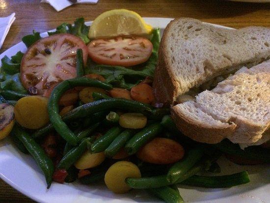 Winthrop Harbor, IL : Cod Sandwich with Veggies