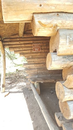 Lutsen, MN: backpack shelter