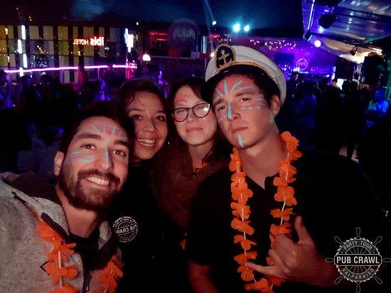Pub Crawl Valparaiso: Woo Club #PartyTime #PartyTour #BeerTime #RoofTopParty #Party #RoofTop #Valparaíso #ViñadelMar #