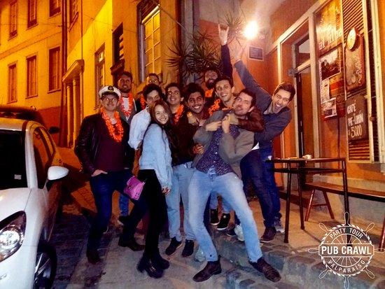 Pub Crawl Valparaiso: Meeting Point 23:00 hrs #OpenBar #BeerPong #BeerPongtime #PartyTour #PubCrawl #PubcrawlValparais