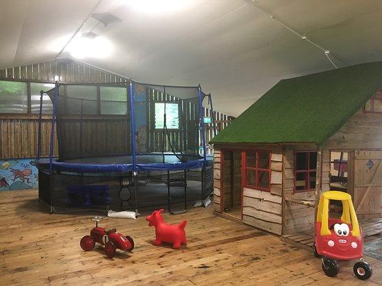 East Allington, UK: Playbarn