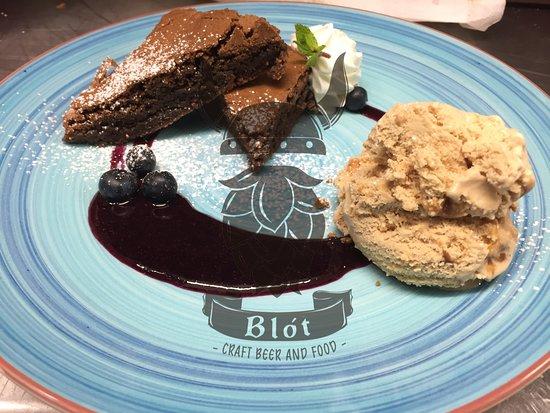 Blot - Craft Beer & Food: Home made brownie