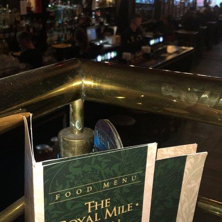 The Royal Mile Tavern: Excelente cena. Muy buena relación calidad-precio. La lastima fue que nos perdimos la actuación