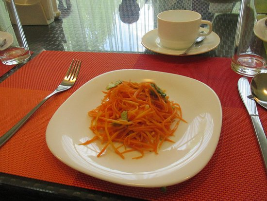 Bosteri, Kirgisistan: A plate of carrots to start dinner. That is a lot of carrot.