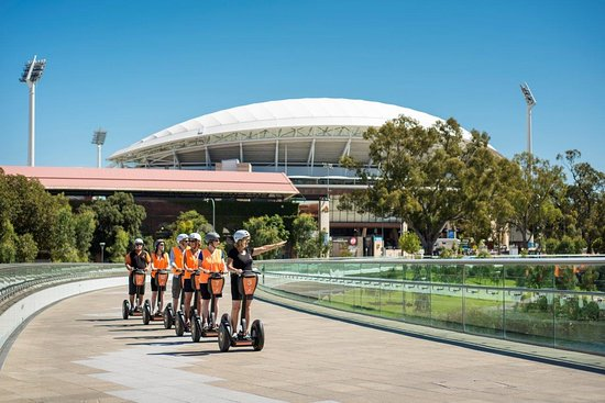 Seppeltsfield, Australia: Adelaide Riverbank Tours