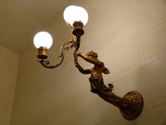 Palau Bofarull: Lámpara