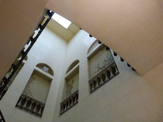 Palau Bofarull: Escalera