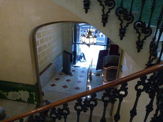 Palau Bofarull: Baranda Escalera