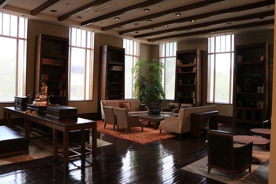 The St. Regis Lhasa Resort: Hotel room
