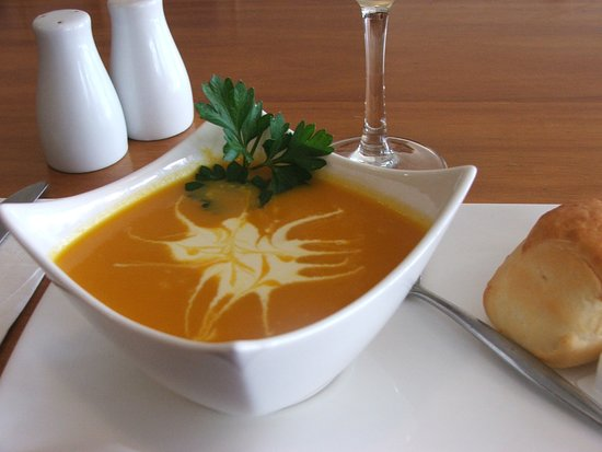 Port Broughton, Australia: House made pumpkin soup with warm roll