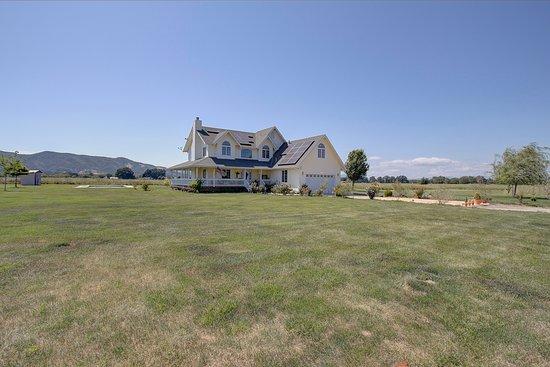 Landscape - Picture of Makiivka Estate Farm Reserve, Lakeport - Tripadvisor