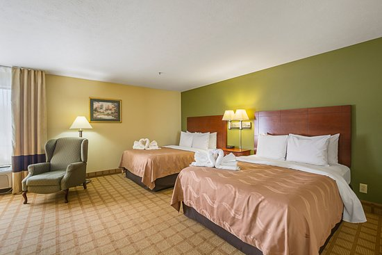 Batesville, IN: Queen Suite Room