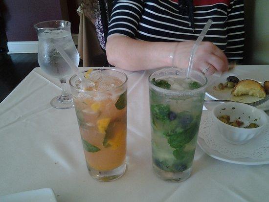 El Pulpo Restaurant and Tapas Bar: mojitoes!