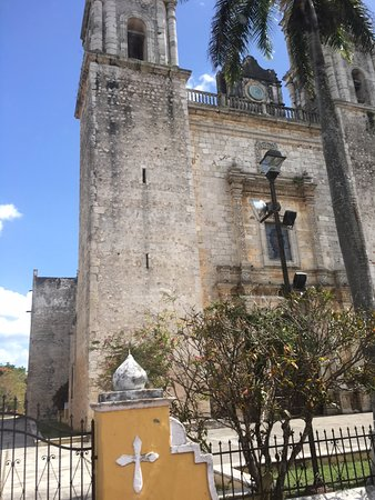 Catedral de San Servasio: View from front entrance -2