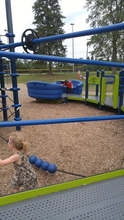 Ingersoll, Kanada: Playground with new equipment.