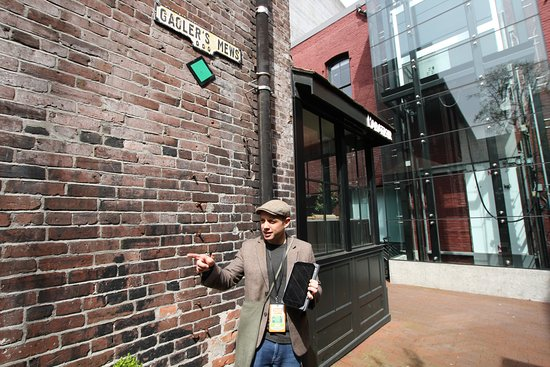 Tour Guys Vancouver: Ali in Gastown